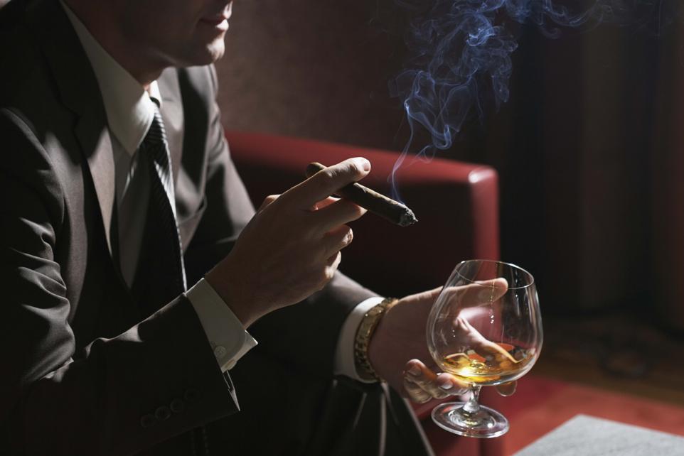 сигары и коньяк
