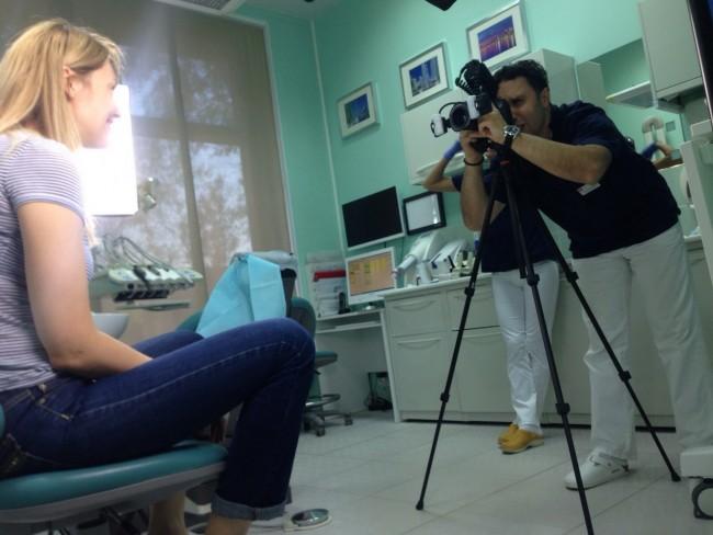 """Поскольку фотография является важным диагностическим этапом в современной стоматологии, доктор Макаров Артур организовал в """"Канадской Стоматологии"""" целую фотостудию"""